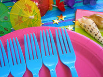 Tropische themenorientierte Party-Tabelle Stockfoto