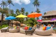 Tropische toevlucht met een zwembad en koffiebar op Koh Kood-eiland royalty-vrije stock foto's