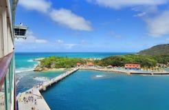 Tropische toevlucht met pijler royalty-vrije stock foto's