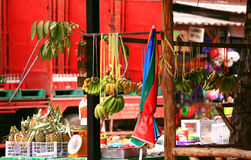 Tropische vruchten op markt in Zuidoost-Azië Stock Afbeeldingen