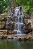 Tropische waterval in bos Royalty-vrije Stock Fotografie