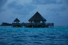 Tropische zonsopgang in de Maldiven royalty-vrije stock afbeelding