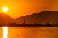 Tropische zonsopgang in Kroatië, Trogir Royalty-vrije Stock Afbeeldingen