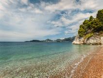 Tropischer adriatischer Strand Stockbilder