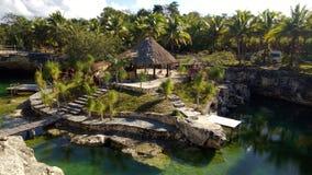 Tropischer Bungalow stockfoto