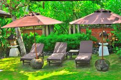 Tropischer Luxuxswimmingpool Lizenzfreie Stockfotografie