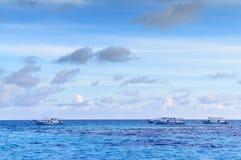 Tropischer Morgenmeerblick in Malediven Stockfoto