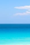 Tropischer Ozean des Blaus und des Türkises Stockbild