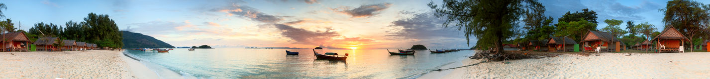 Tropischer Sonnenaufgang Lizenzfreies Stockfoto