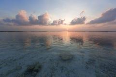 Tropischer Sonnenaufgang Lizenzfreie Stockbilder