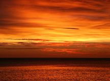 Tropischer Sonnenuntergang Lizenzfreies Stockbild