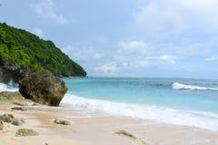 Tropischer Strand in Bali, Indonesien Lizenzfreie Stockbilder
