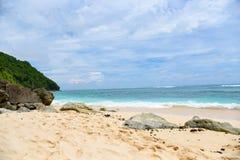 Tropischer Strand in Bali, Indonesien Stockfotografie