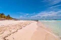Tropischer Strand in Isla Mujeres, Mexiko Lizenzfreies Stockbild