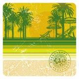 Tropischer Strand mit Palmen, Stuhl und Regenschirm Lizenzfreie Stockbilder