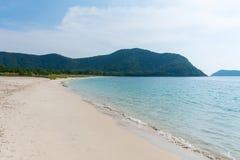 Tropischer Strand in Thailand Stockfotografie