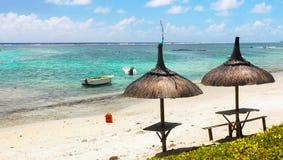 Tropischer Strand und Lagune, Mauritius Island lizenzfreies stockfoto