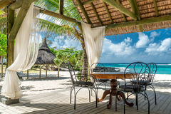 Tropischer Strandaufenthaltsraum Stockbilder