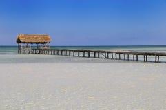Tropischer Strandurlaubsort Lizenzfreies Stockbild