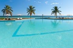 Tropischer Swimmingpool Lizenzfreies Stockfoto