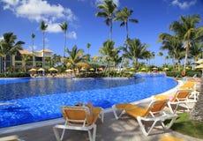 Tropischer Swimmingpool Lizenzfreies Stockbild