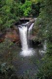 Tropischer Wasserfall an Nationalpark Khao Yai, Thailand Stockfotografie