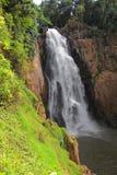 Tropischer Wasserfall an Nationalpark Khao Yai, Thailand Stockbilder