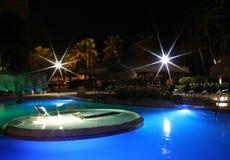 Tropisches blaues Pool mit Sternen Stockbild