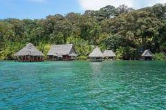 Tropisches eco Häuschen auf karibischem Ufer von Panama Lizenzfreies Stockbild