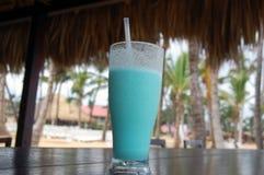 Tropisches Getränk am Erholungsort Stockfoto