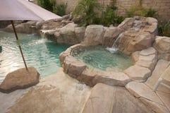 Tropisches kundenspezifisches Pool u. Jacuzzi Stockbilder
