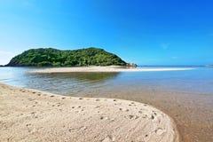 Tropisches Meer und blauer Himmel Fotografiert auf Koh Phangan-Insel T Lizenzfreies Stockfoto