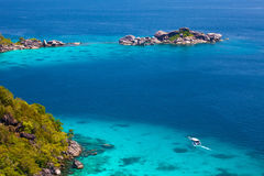 Schöne Seelandschaft mit tropischer Küste Lizenzfreies Stockbild