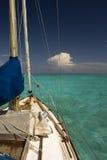 Tropisches Segelnparadies stockfoto