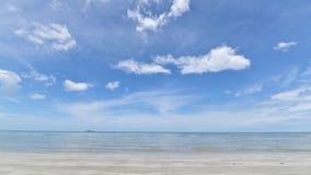 Tropisches Strand Meer, Sand und Sommertag stock video footage
