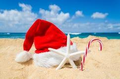 Tropisches Strand Weihnachts- und des neuen Jahreshintergrund Stockfotos