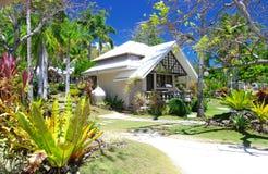 Tropisches Strandlandhaus Lizenzfreie Stockfotos