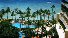 Tropisches Strandurlaubsort-Paradies stock video