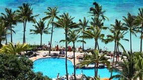 Tropisches Strandurlaubsort-Paradies stock video footage