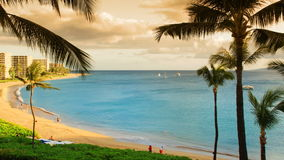 Tropisches Strandurlaubsort-Paradies (Zeit-Versehen) stock video