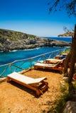 Tropisches Sunbeds, Paradiesstimmung Lizenzfreies Stockfoto