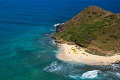 Tropisches szenisches Kayak fahren in den Mokulua-Inseln Oahu Hawaii stockfotografie