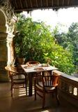 tropisk äta middag utomhus- uteplats Royaltyfri Fotografi