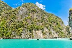 Tropisk öPhi-Phi, Krabi landskap, Thailand Skärgården i det Andaman havet, det mest härlig i världen, tilldrar milli Royaltyfria Foton
