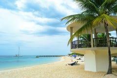 Tropisk östrandplats Koppla av karibisk sommarsemester royaltyfria bilder