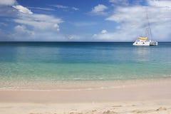 tropisk catamaran Fotografering för Bildbyråer