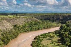 Tropisk flod Chavon, Dominikanska republiken Top beskådar Royaltyfria Bilder