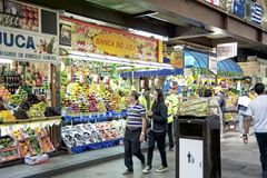 Tropisk frukt på Sao Paulo Central Market Royaltyfri Fotografi