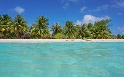 Tropisk kajak för havskust på stranden franska Polynesien arkivbilder