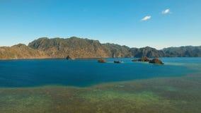 Tropisk lagun för flyg- sikt, hav, strand tropisk ö Busuanga Palawan, Filippinerna Fotografering för Bildbyråer